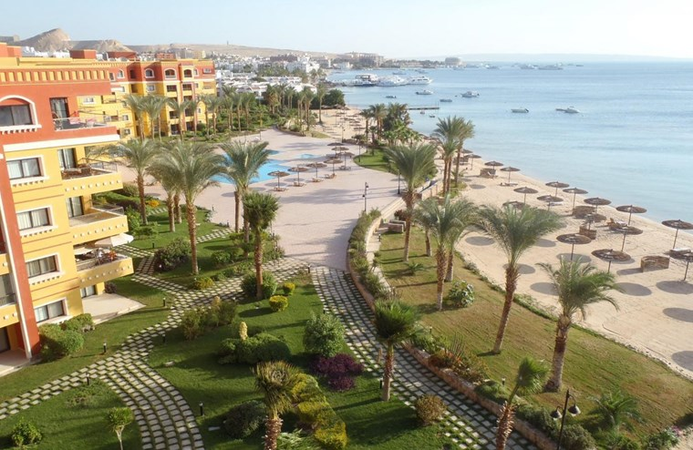 City Center,3 Bedroom Apartment For Sale With Privet Beach