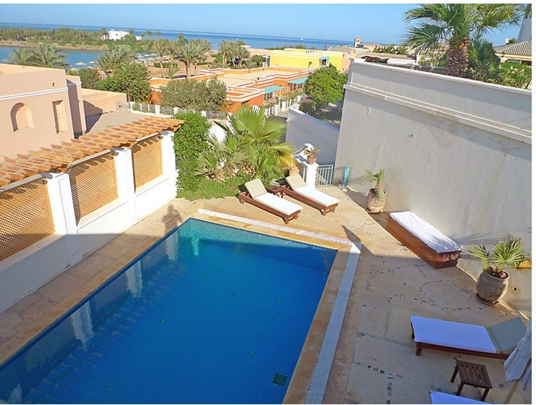 Specious And Bright Villa For Rent In