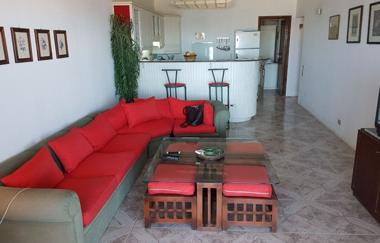 3 bedroom apartment with furniture (Hadaba)